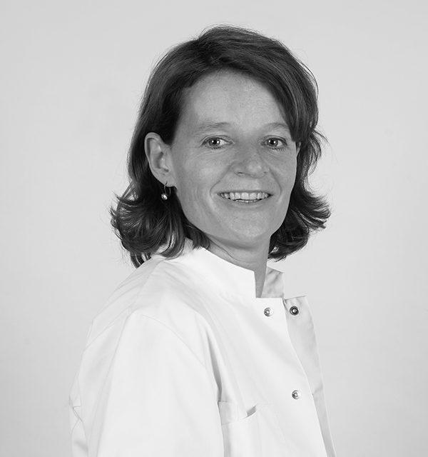Drs Nicole van Ladesteijn